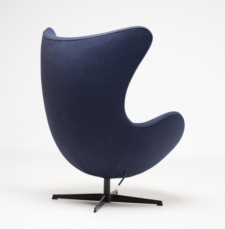 Danish Limited Edition Blue Canvas Egg Chair by Arne Jacobsen For Sale