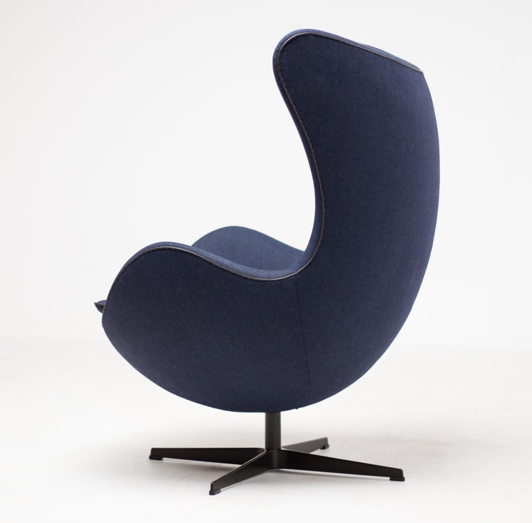 2010s Limited Edition Blue Canvas Egg Chair by Arne Jacobsen For Sale