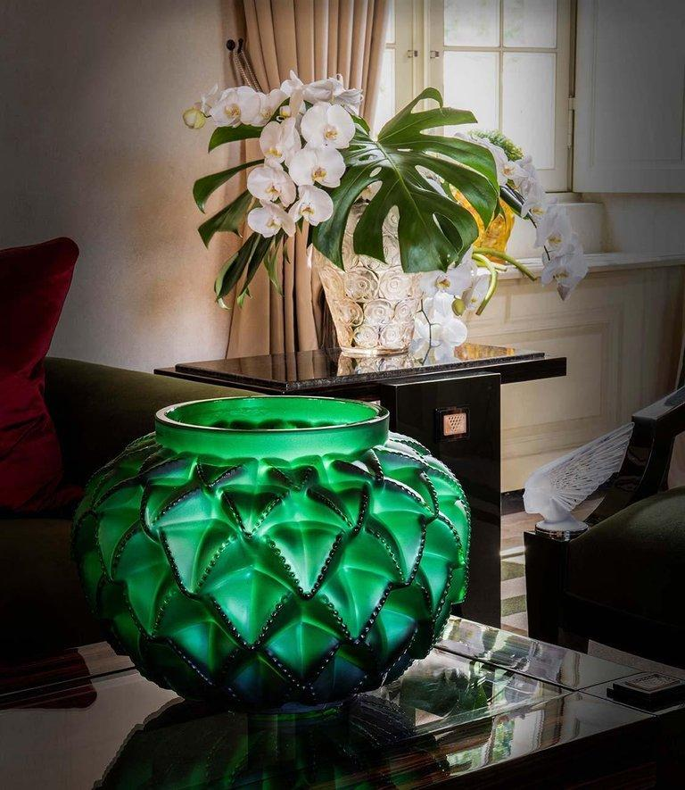Limited Edition Grand Languedoc Vase in Crystal Glass by Lalique In New Condition For Sale In New York, NY