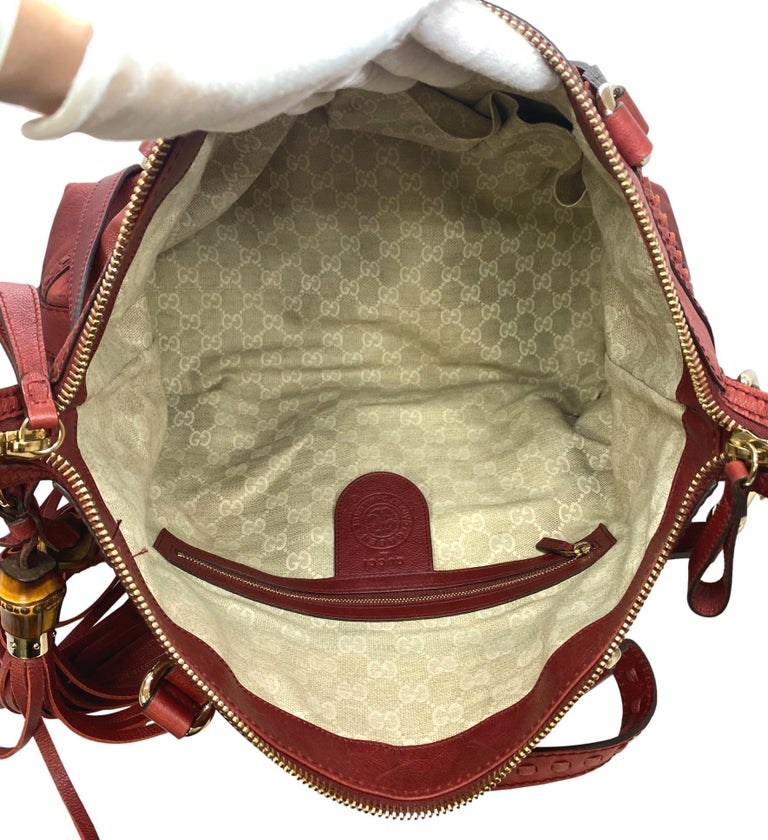 Limited Edition Gucci Green Carpet Challenge Red Leather Shoulder Tote Bag For Sale 2