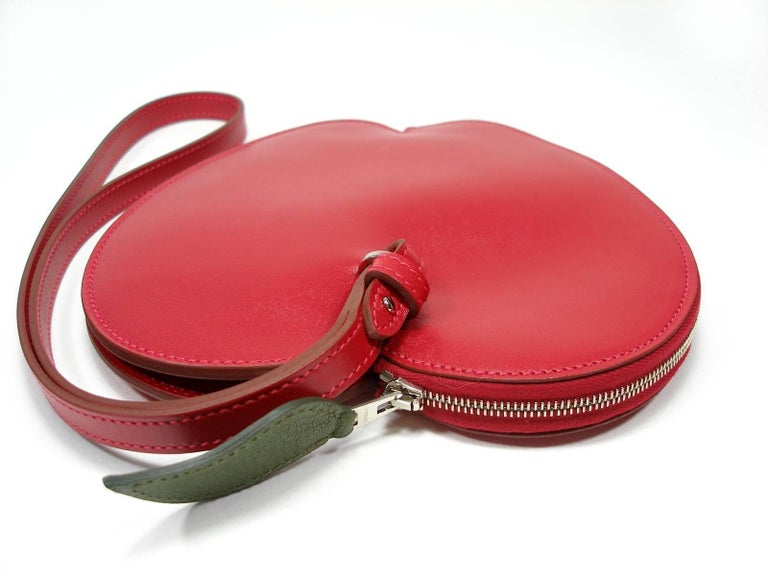 Hermès Tutti Frutti Large Limited Edition Red Apple Clutch   For Sale 1
