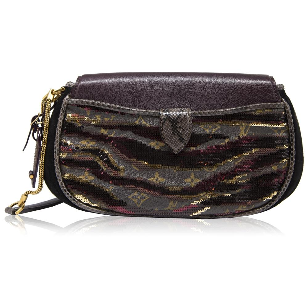 c7195423dffc Limited Edition Louis Vuitton Sequin Embellished Savage Cub Clutch Bag For  Sale at 1stdibs