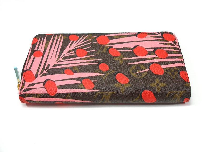 Louis Vuitton Zippy Jungle Wallet, 2016   In New Condition For Sale In VERGT, FR