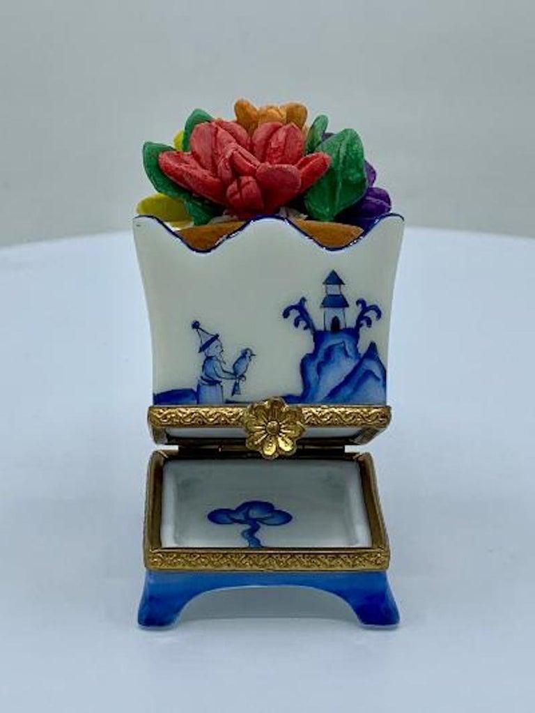 20th Century Limoges France Hand Painted Blue Willow Design Flower Pot Porcelain Trinket Box
