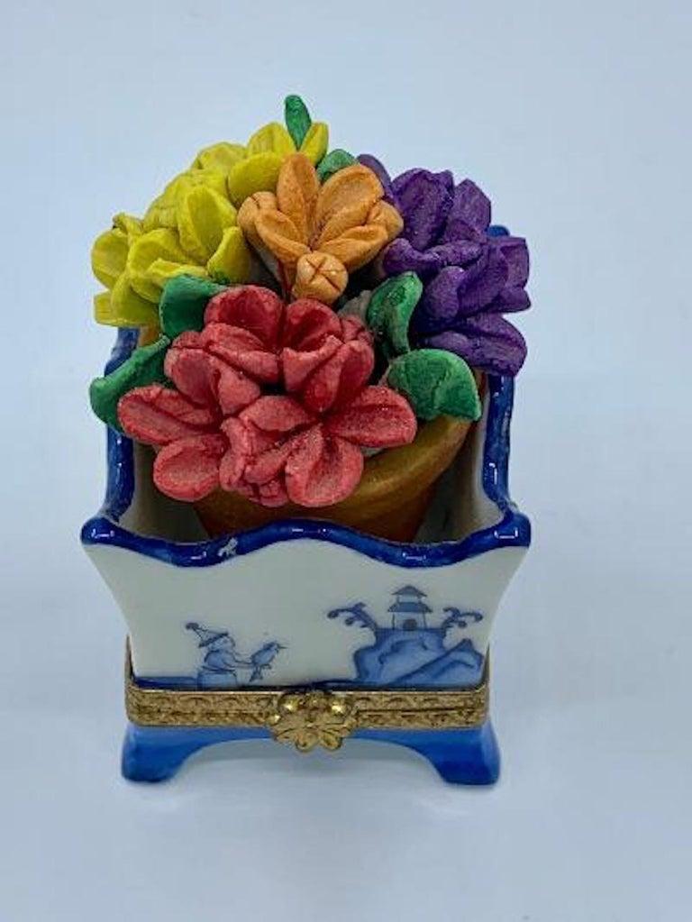 Limoges France Hand Painted Blue Willow Design Flower Pot Porcelain Trinket Box 1