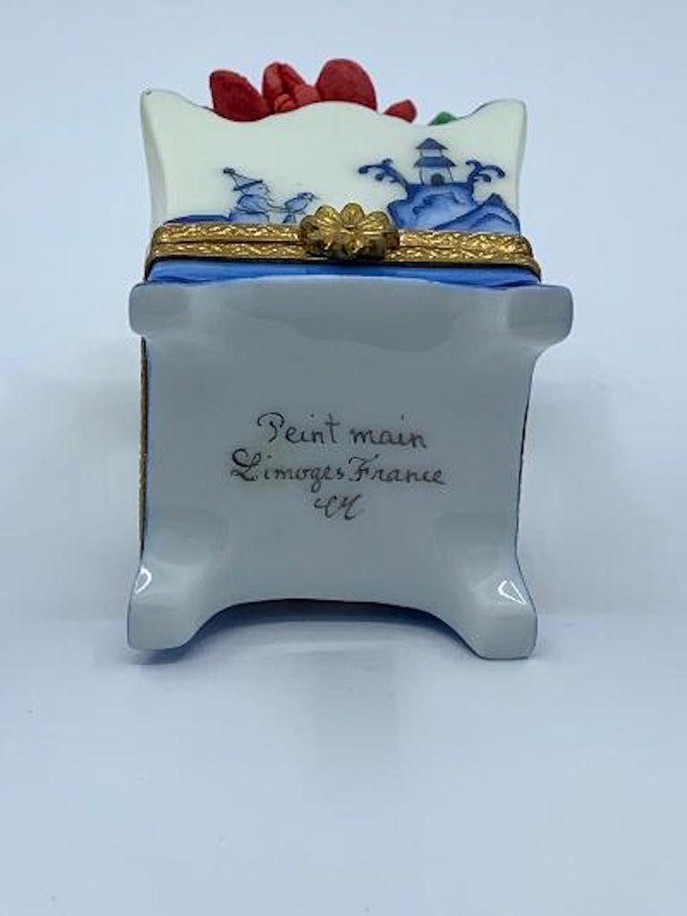 Limoges France Hand Painted Blue Willow Design Flower Pot Porcelain Trinket Box 2