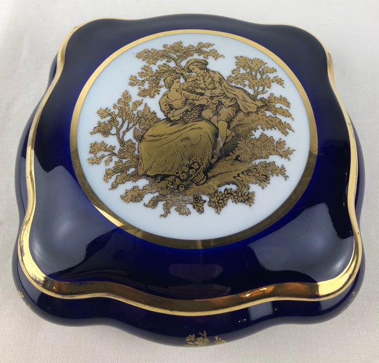 French Limoges Porcelain Lidded Candy Dish, Trinket or Jewelry Box For Sale