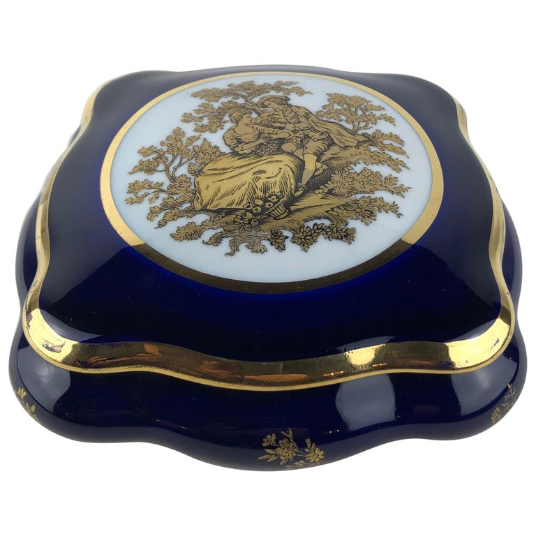 Limoges Porcelain Lidded Candy Dish, Trinket or Jewelry Box For Sale