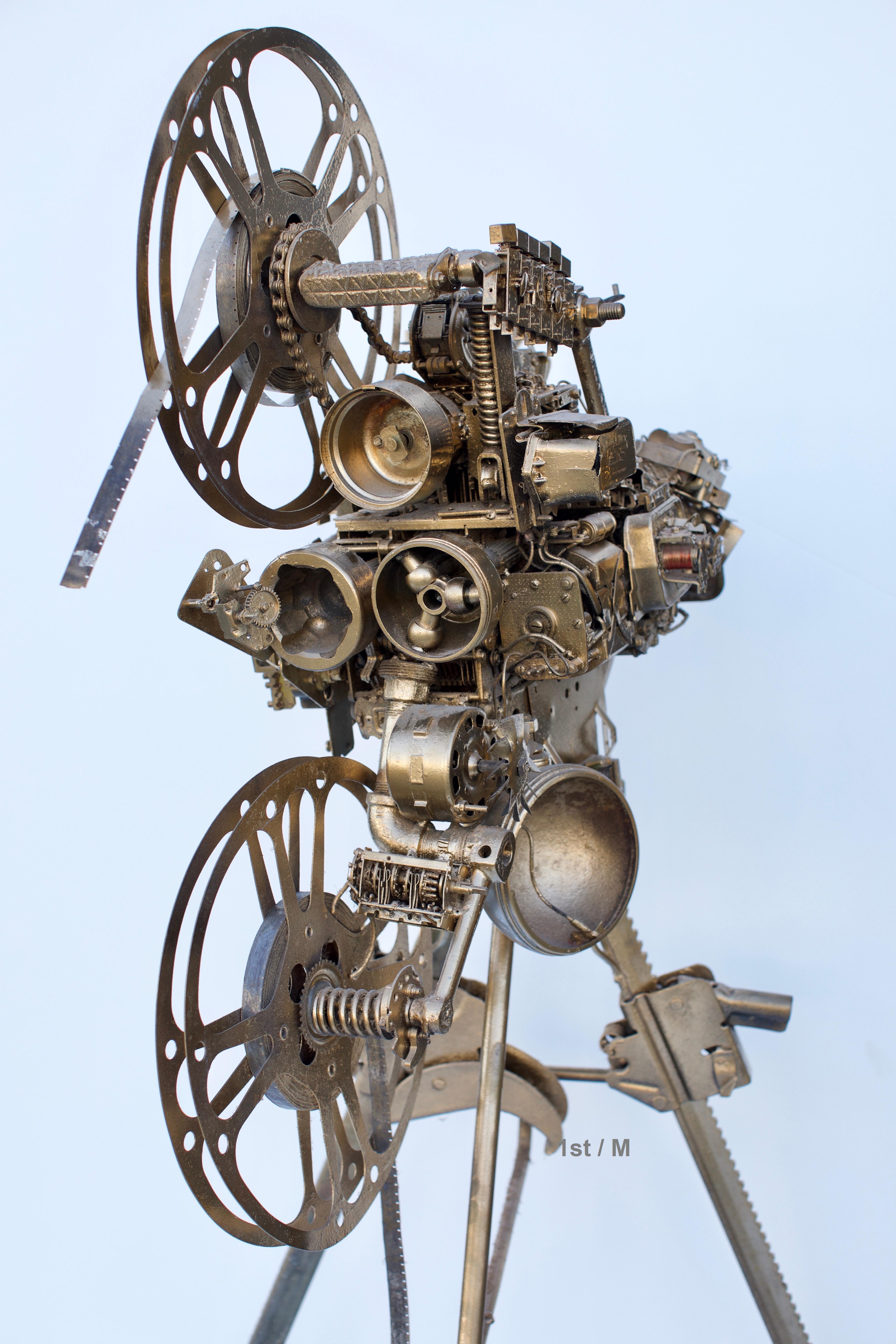 Large Sculpture - Camera D'or