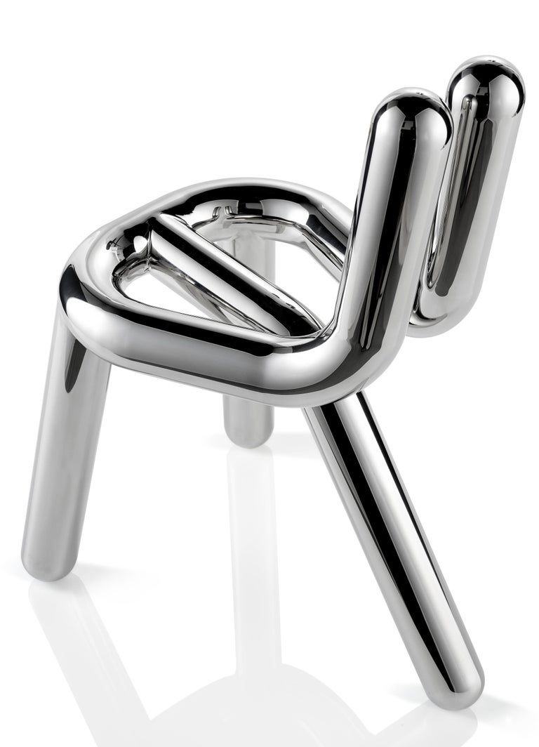 Line is entirely made of stainless steel. The strong presence of her, simultaneously elegant and daring curves makes this chair a recognizable luxury icon. The chair became a sculpture, in an amazingly bright stainless steel or with titanium coating