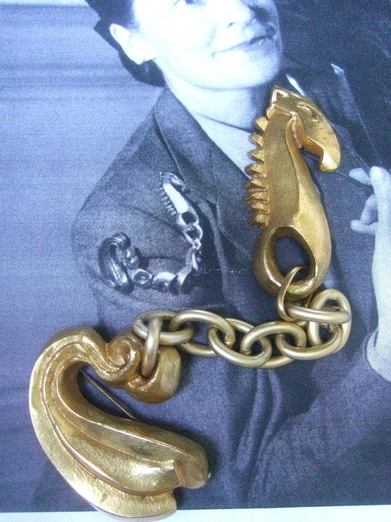 Line Vautrin 1940s Art Deco Articulated Gilt Bronze Seahorse Brooch For Sale 6