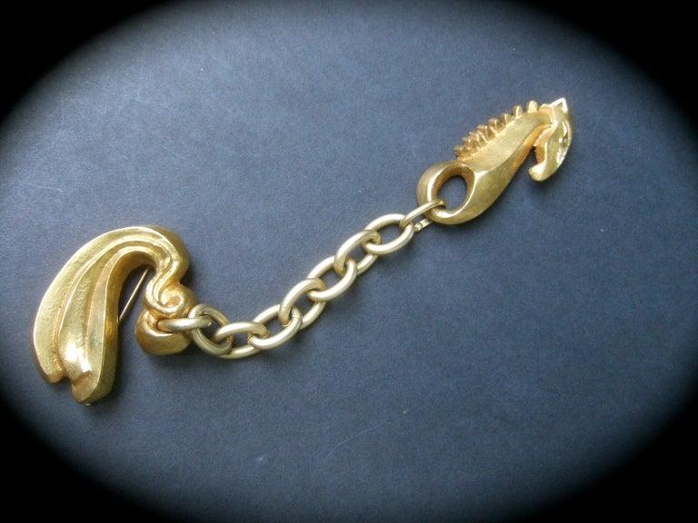 Line Vautrin 1940s Art Deco Articulated Gilt Bronze Seahorse Brooch For Sale 3