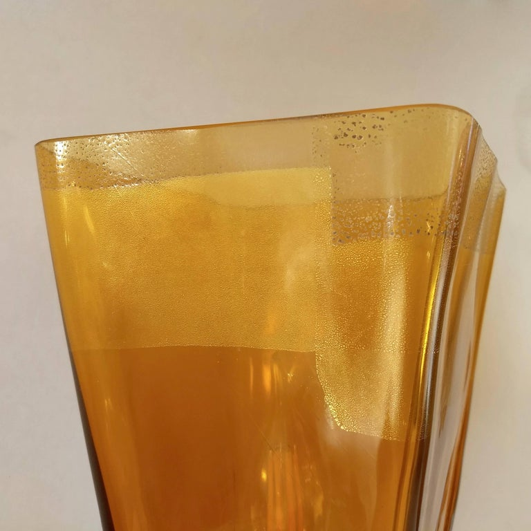 Italian Linea Padovan 1970s Vintage Pair of Amber Gold and Crystal Murano Glass Lamps For Sale