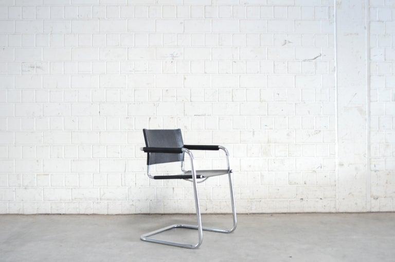 Bauhaus Linea Veam Cantilever Black Saddle Leather Chair