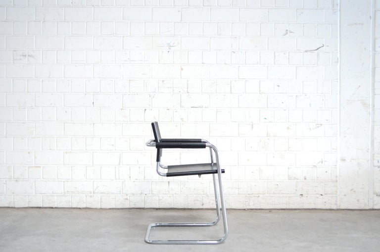 Linea Veam Cantilever Black Saddle Leather Chair In Good Condition In Munich, Bavaria