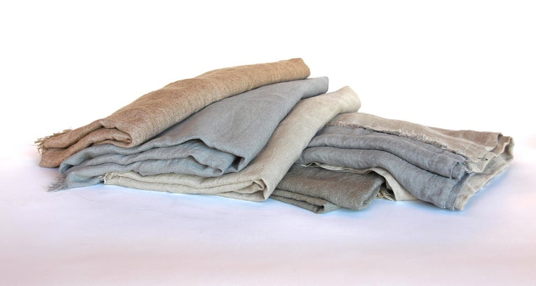 Linen blankets.