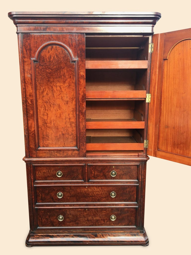 Linen Press in Mahogany. English C 1860. For Sale 1