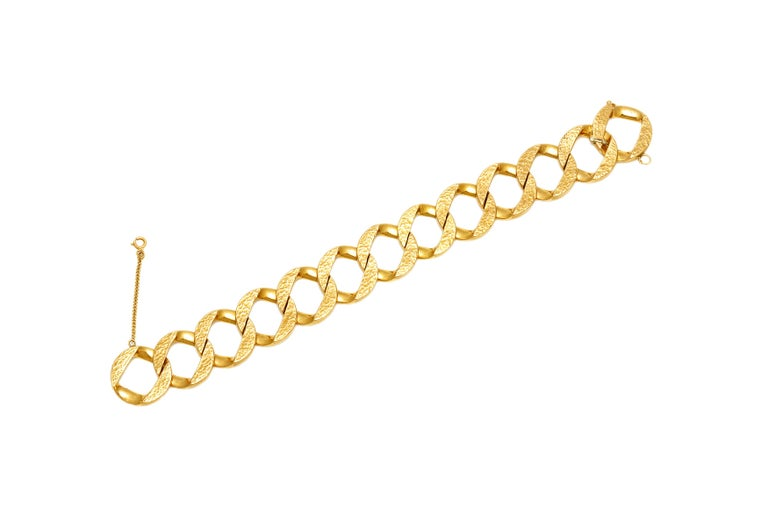 Link Bracelet In Good Condition For Sale In New York, NY