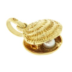 Links of London 18 Karat Yellow Gold Shell and Pearl Pendant Charm