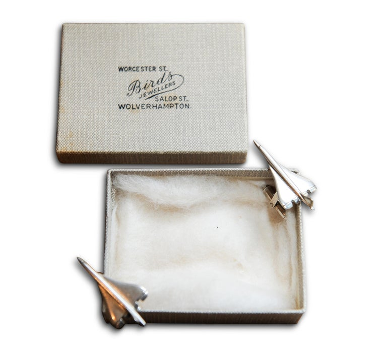 Links of London Pair of Solid Silver Cuff Links Modelled on the Iconic Concorde For Sale 1