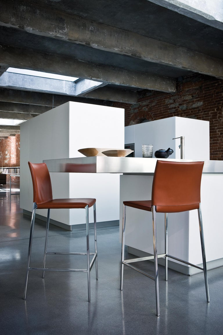 Modern Lio High Stool in White Leather by Roberto Barbieri For Sale