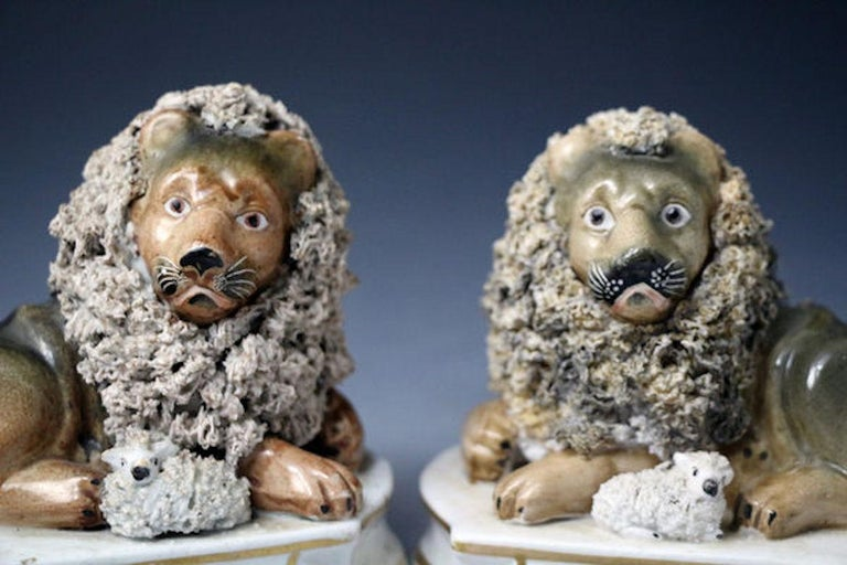 Mid-19th Century Lion and Lambs by John and Rebecca Lloyd, Shelton Staffordshire For Sale