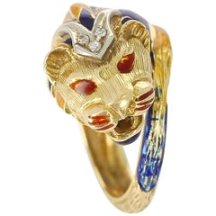 Lion Enamel Ring with Diamonds in 18 Karat Yellow Gold