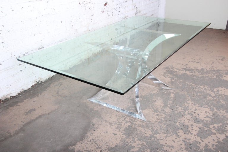 Lion in Frost Mid-Century Modern Sculpted Lucite and Glass Dining Table In Good Condition In South Bend, IN