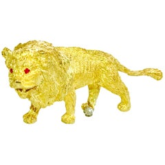 Lion Motif Diamond Ruby and Yellow Gold Pin