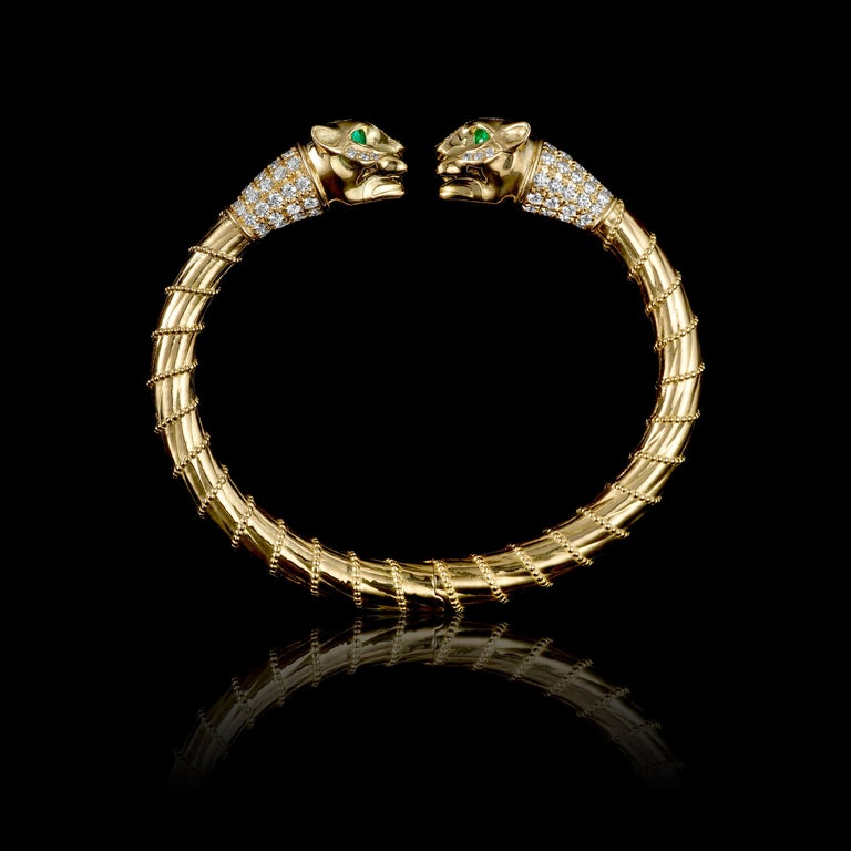 Brilliant Cut 18 Karat Yellow Gold Diamonds Emeralds Spring Cuff Bracelet Lioness Ancient For Sale