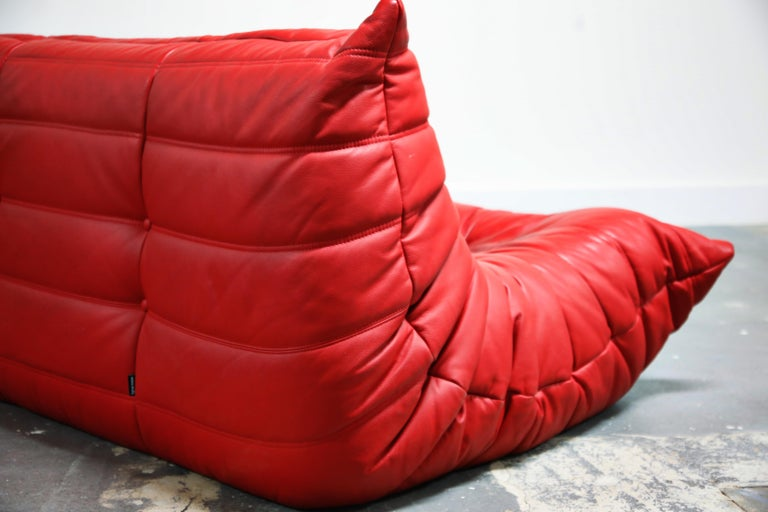 Lipstick Red Leather Togo Sofa by Michel Ducaroy for Ligne Roset, Signed, 1980s For Sale 11