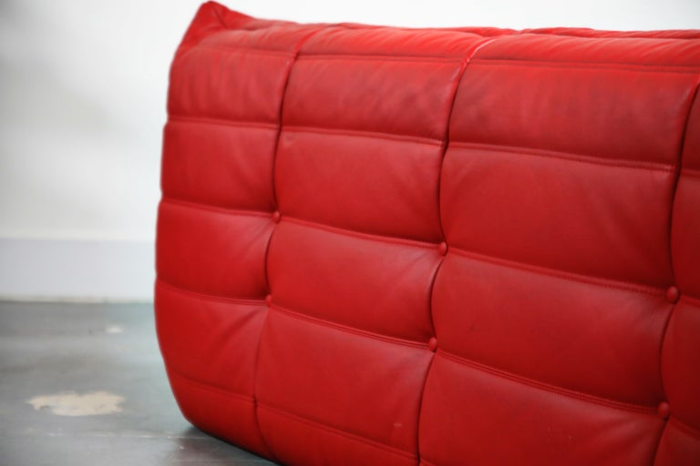 Lipstick Red Leather Togo Sofa by Michel Ducaroy for Ligne Roset, Signed, 1980s For Sale 13