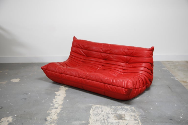 Lipstick Red Leather Togo Sofa by Michel Ducaroy for Ligne Roset, Signed, 1980s In Excellent Condition For Sale In Los Angeles, CA