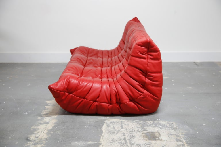 Lipstick Red Leather Togo Sofa by Michel Ducaroy for Ligne Roset, Signed, 1980s For Sale 2
