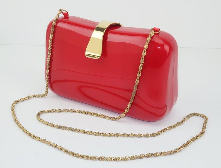 Lipstick Red Lucite Box Handbag, 1980's In Good Condition For Sale In Atlanta, GA