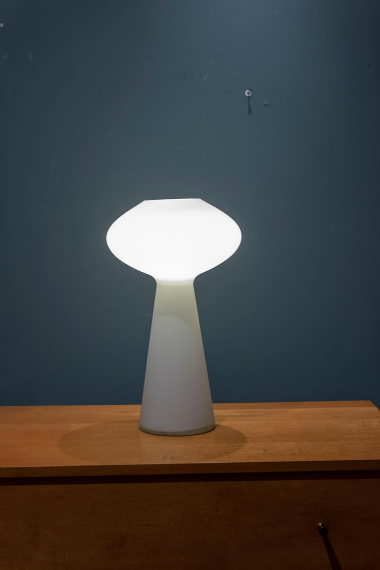 Lisa Johansson-Pape large size opaque glass table lamp, timeless design in very good original condition.