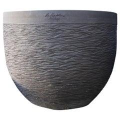 Lisa Terre Noir Sculptée, Poterie De La Madeleine