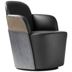 Armchair in leather and exterior backrest in wood