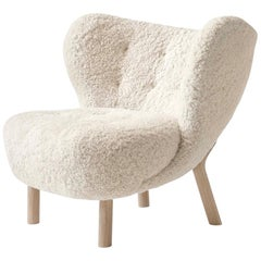 Little Petra Lounge Chair in Sheepskin with Oak Frame by &Tradition