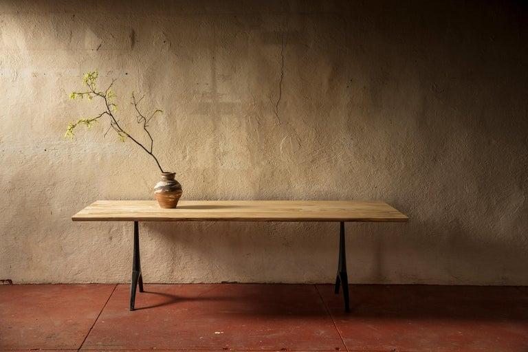 Live Edge Dining Table Light Color Wood on Black Patina Cast Wishbone Base For Sale 2