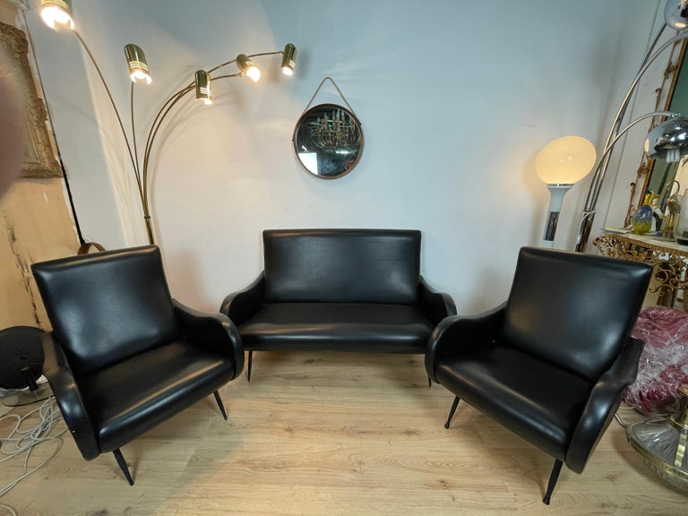 1960s living room in eco-leather, Italian production attributable to the designer Zanuso for Arflex.