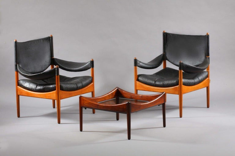 Living room set two leather armchairs and table, solid oak, Christian Vedel, manufacter Soren Willadsen Denmark 1950 height 66cm, depth 54cm width 54cm Table 55 x 55cm, height 30cm.