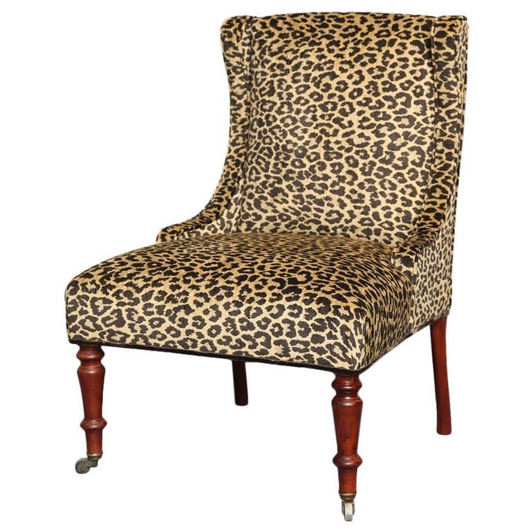 Liz O'Brien Editions Madeleine Slipper Chair In Excellent Condition For Sale In New York, NY
