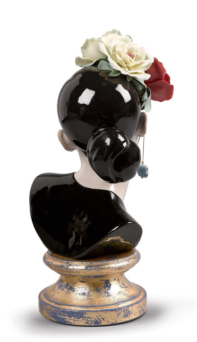 Modern Lladro Beautiful Catrina Figurine by Raul Rubio For Sale