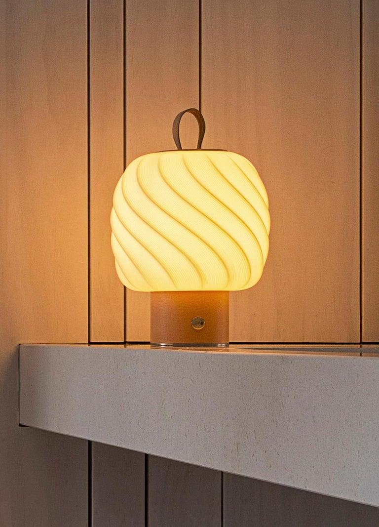Porcelain Lladro Medium Ice Cream Portable Lamp For Sale
