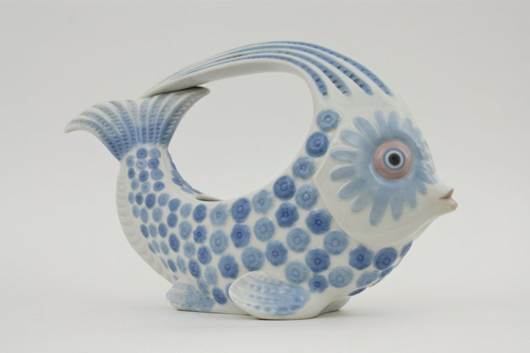 Lladró Porcelain Blue and White Fish Figure Centerpiece or Planter, Spain, 1970s For Sale 1