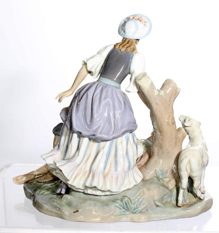20th Century Lladro Porcelain Sculpture For Sale