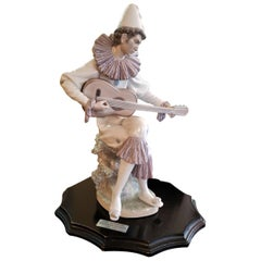 Lladro Retired Serious Clown with Guitar by Salvador Furio