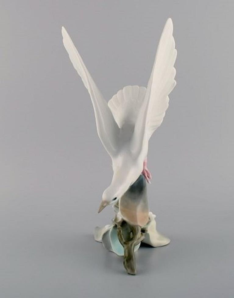Lladro, Spain. Large porcelain figure. Bird, 1980s.