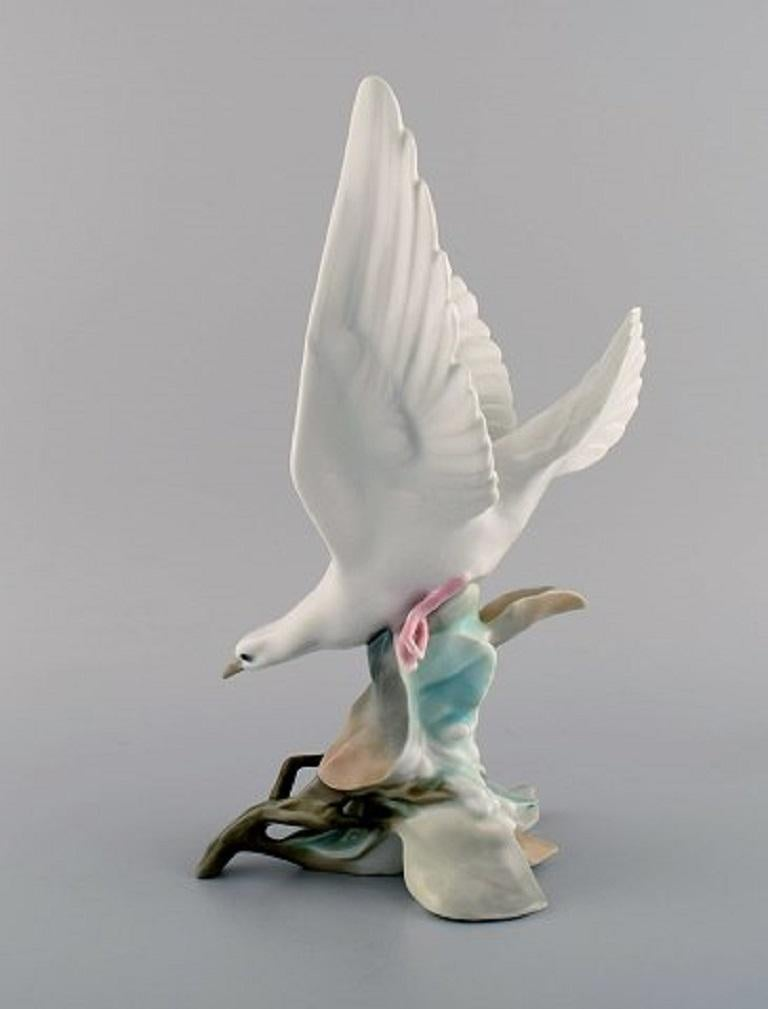 Spanish Lladro, Spain, Large Porcelain Figure, Bird, 1980s For Sale